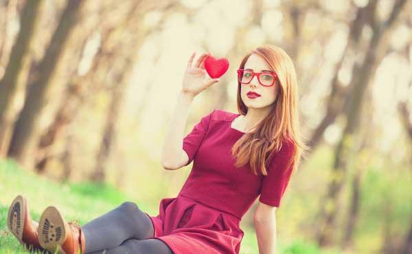 独りで心を豊かにする女性