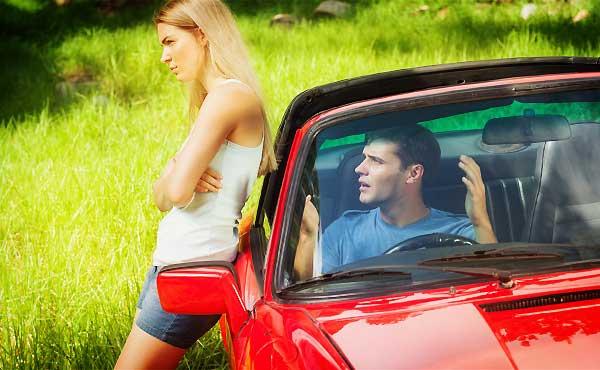 車デート中に96%くらいの男性が嫌がる行動