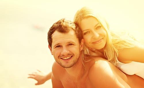ゆったりした恋を楽しむカップル