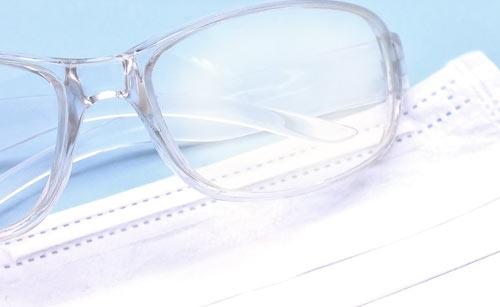 マスクと曇った眼鏡