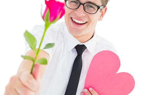 好きな相手に花を贈る男性