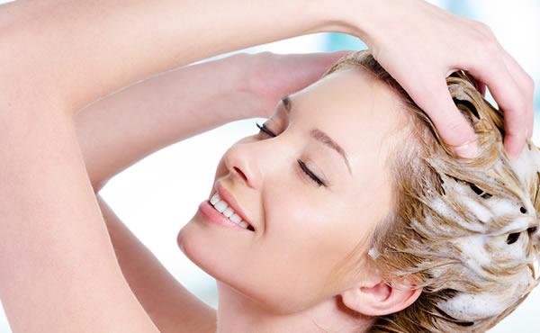 ツヤ髪づくりには正しいシャンプー方法が必須!5つのポイント