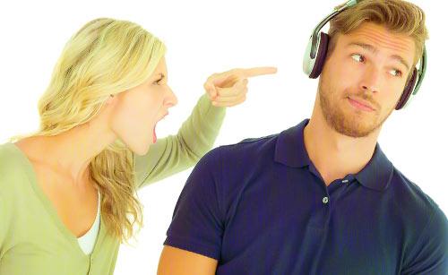 彼女の話を全く聞いていない彼