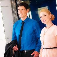 エレベーター内で二人きり!カレと短時間で仲良くなる4つのテク