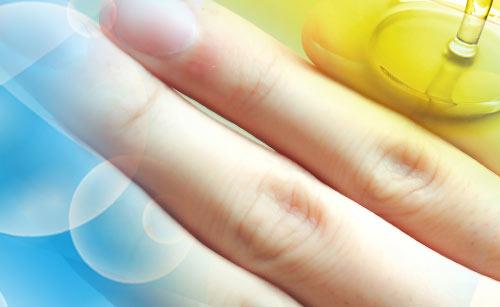 指と泡とオリーブオイル