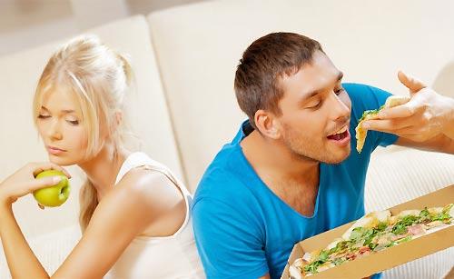 食事を楽しめない女性