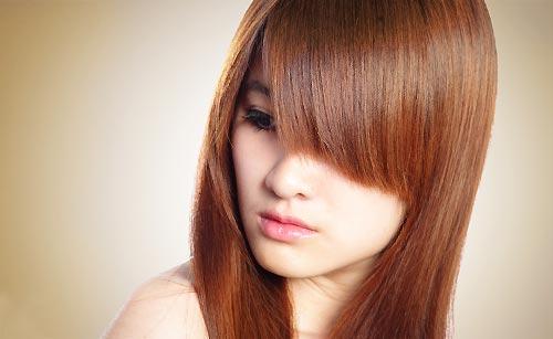 サラサラした髪の毛の女性