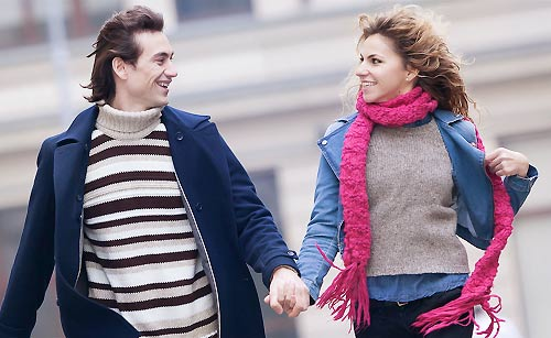 デートを楽しむカップル
