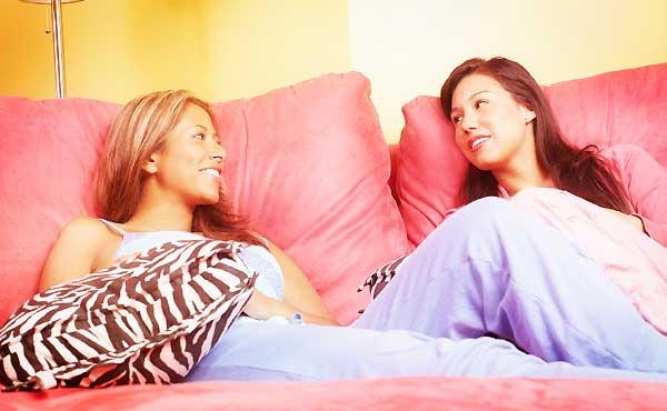 ゼッタイに恋愛の悩み相談をしてはいけない女友達の特徴6つ