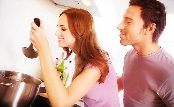 """彼氏と料理を作るとき""""ケンカを回避できる""""秘訣や注意点"""