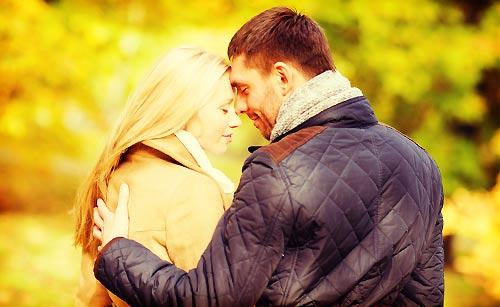 恋人を一途に愛する女性