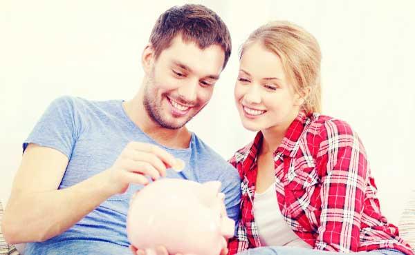 """彼氏が貧乏でも""""収入より愛情""""?金欠男と無理なく付き合う方法"""