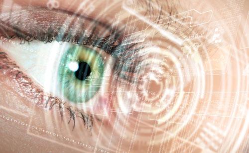 目とパソコン
