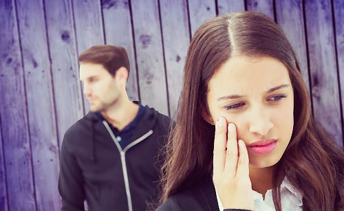 彼氏の怒りにノイローゼ気味になる女性