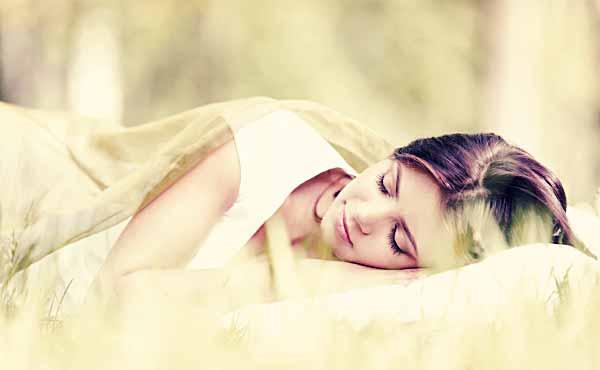 好きな人の夢を見る方法、明晰夢でカレを登場させるコツ