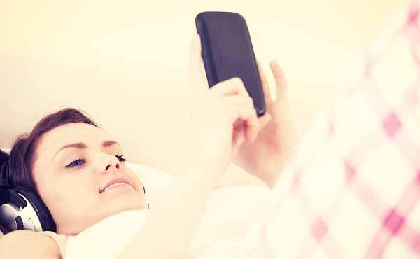 おやすみメールで脈ありを探る友達以上恋人未満な彼の本音