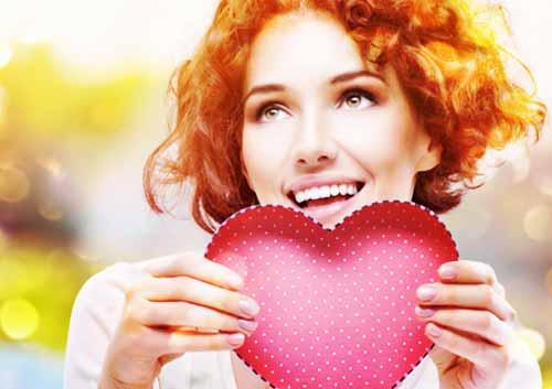恋に夢中な女性