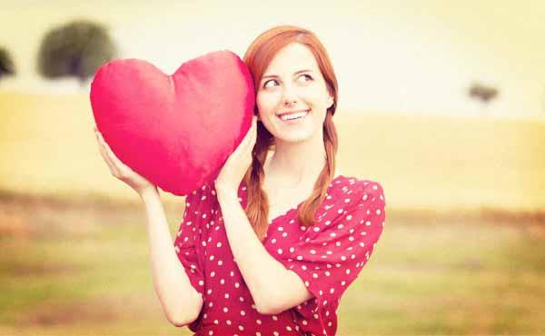恋愛至上主義の恋が命な女の特徴・男が本気でウザい理由