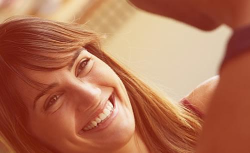 笑顔が絶えない素敵な女性