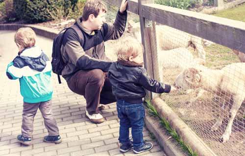 動物園の子供と恋人