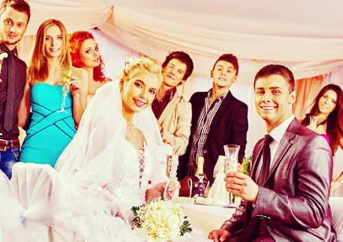友人たちが勢ぞろいな結婚式