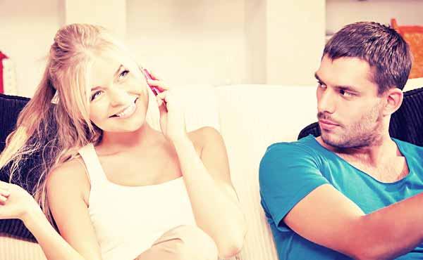 彼氏に嫉妬させる方法・ヤキモチ焼きな恋人に変えるコツ
