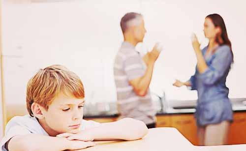 親の喧嘩に悩む子供