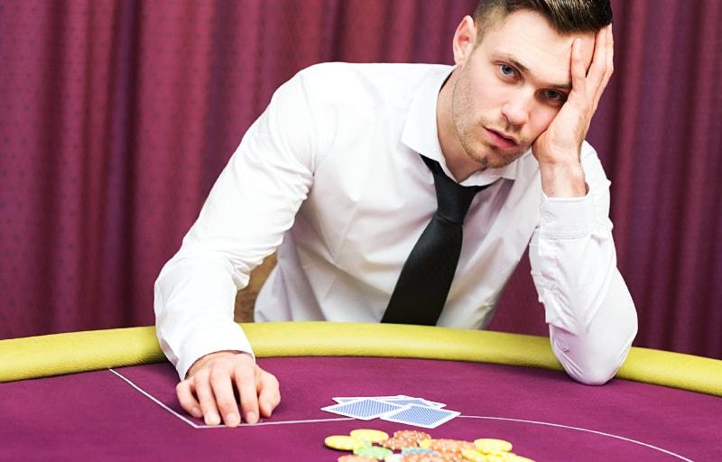 ギャンブルする男
