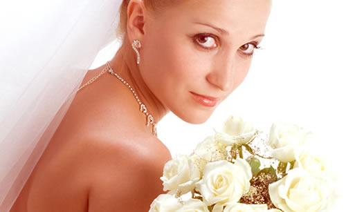 苦労の末結婚した女性