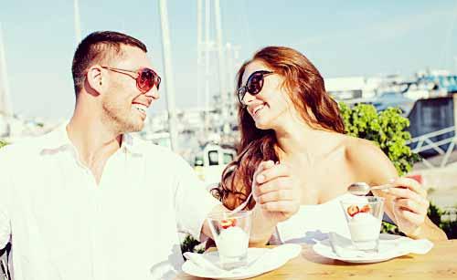 デートをする男と女