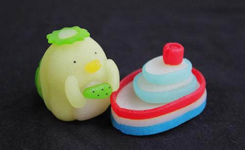 季節の生菓子カッパと船
