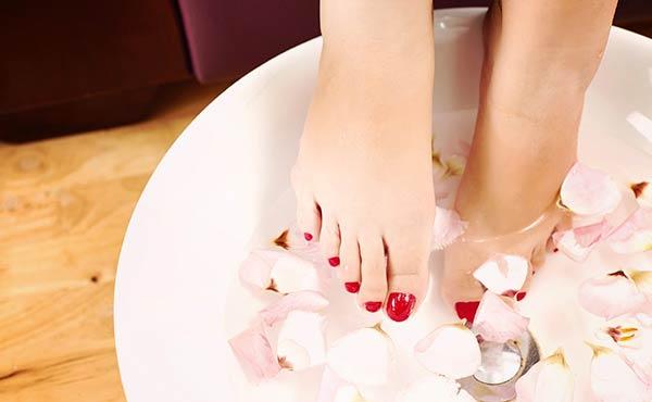 足の臭いを消す方法・クサい悪臭を撃退するスッキリ対策術