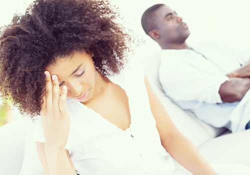 彼氏にうんざりする女性