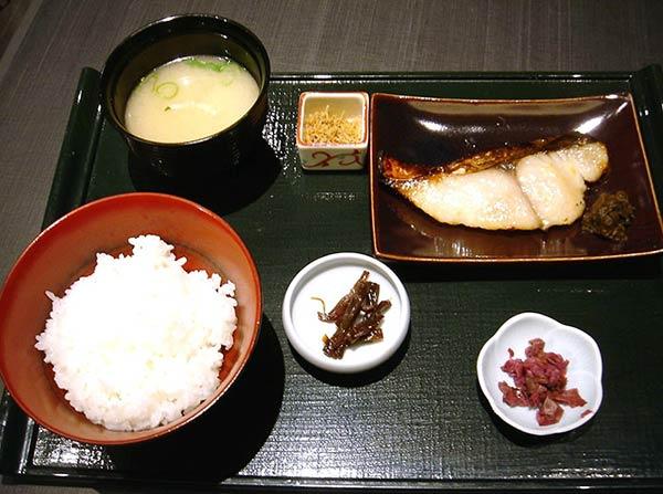 西京漬膳(さわら)