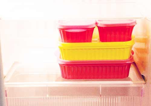 冷蔵庫の中のタッパ