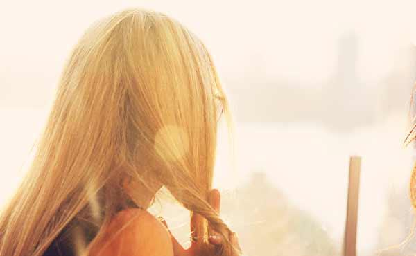 女性の薄毛原因6つ・早めの対処で抜け毛は防げる