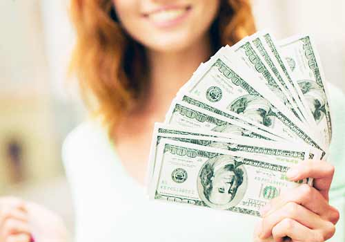 お金遣いが荒い女性