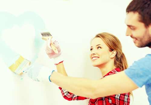 一緒にハートを描く男と女