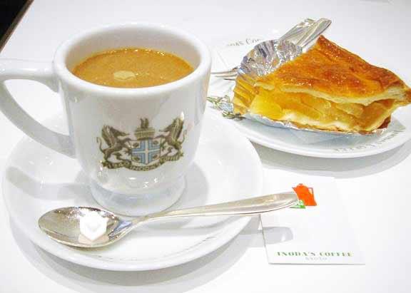 イノダコーヒーとケーキ