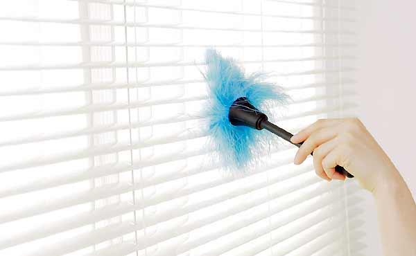 ブラインド掃除のコツ・面倒な羽の隙間をキレイにする方法