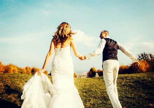 結婚する恋人たち