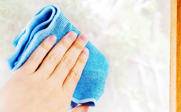 網戸掃除の方法・動画あり網目の汚れをスッキリ落とすコツ