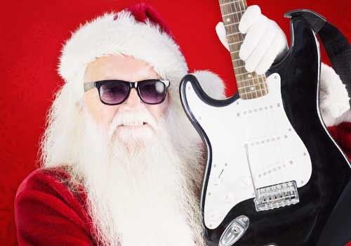 ギターを持ったサンタ