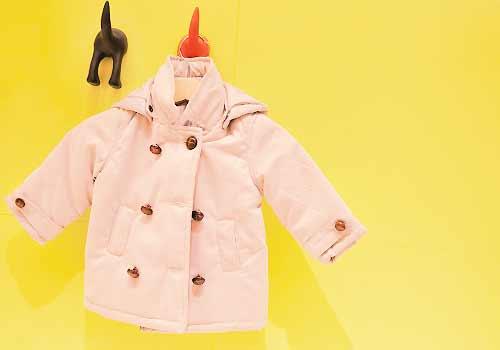 ピンクの子供服