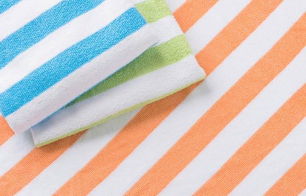 縞々模様のスポーツタオル