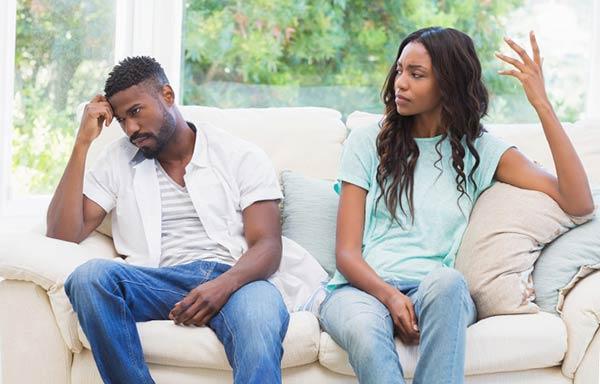 恋人の話が理解できない男性