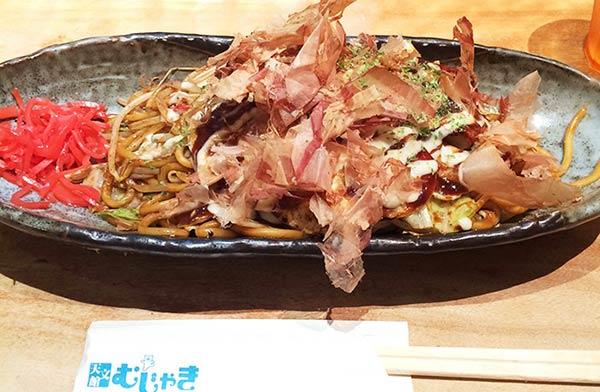 「むじゃき」の太麺焼きそば