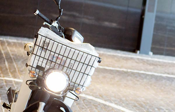 新聞配達用のバイク