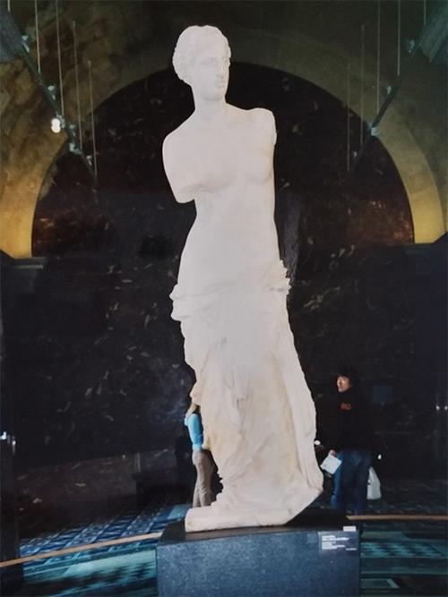 「ミロのヴィーナス」の彫刻