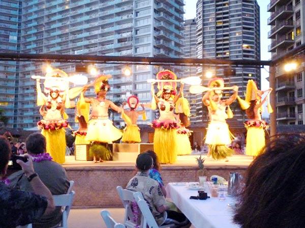 ハワイといえばファイヤーショー
